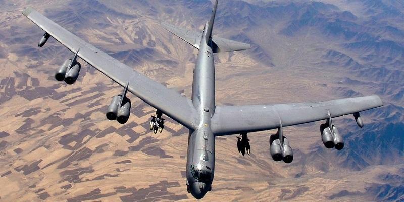 بمب افکن افسانه ای B-52 Stratofortress