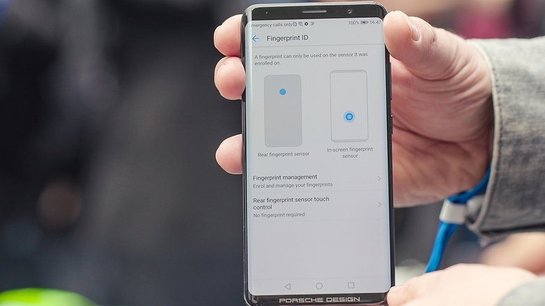 Mate RS دارای دو تشخیص دهنده ی اثر انگشت می باشد، یکی درون صفحه نمایش، و دیگری همان ورژن کلاسیکی که می شناسیم، یعنی بر روی بدنه ی دستگاه