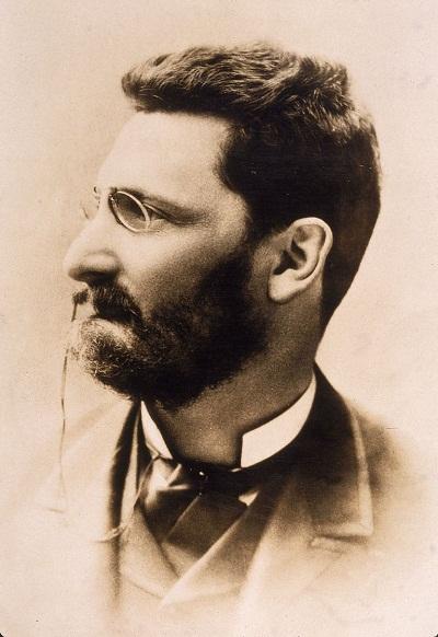 ژوزف پولیتزر (به انگلیسی: Joseph Pulitzer)، (۱۹۱۱-۱۸۴۷)؛ روزنامه نگار مشهور آمریکایی