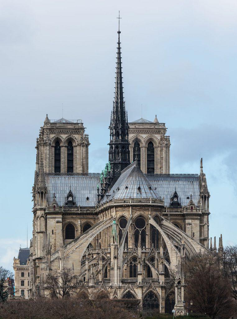 کلیسای جامع نوتردام پاریس (به فرانسوی: Cathédrale Notre Dame de Paris) کلیسای معروفی در شهر پاریس است. این کلیسا در جزیره سیته در میانه رود سن و در منطقه چهارم در مرکز پاریس واقع شدهاست.