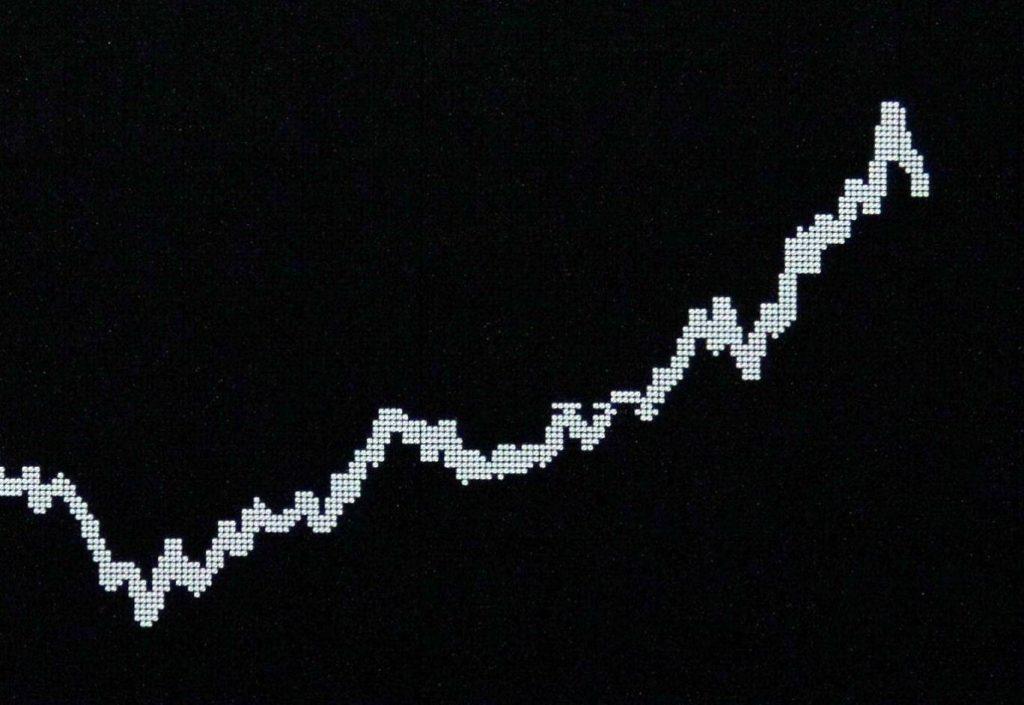 بعد از افزایش دوباره ی قیمت بیت کوین، بازار ارز دیجیتال با افزایش سود قابل ملاحظه ای روبه رو شده است.