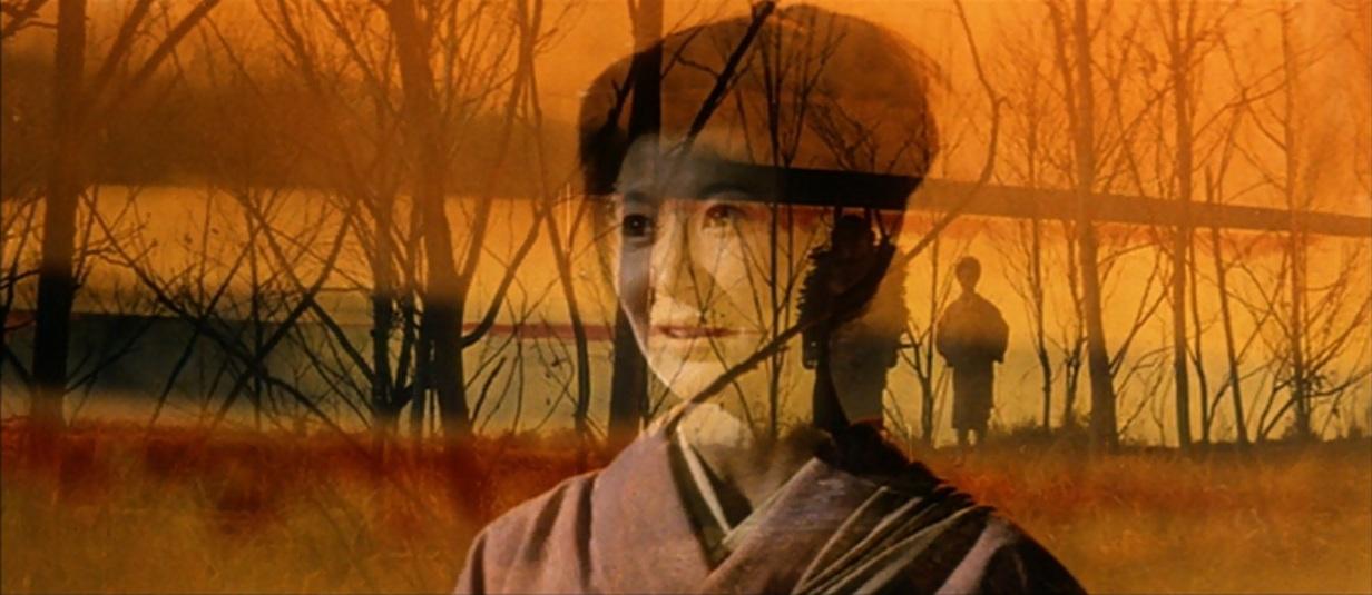 نوع بازی بازیگرها بخصوص زنان در فیلم Kwaidan ، از ژستهای عروسکی تئاتر کابوکی میآید که از حرکاتی بی قاعده و آرام تشکیل شده است که آنها را از واقعیت دور میکند و فضای غیرواقعی و تخیلی میآفریند.