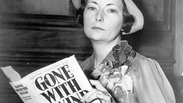 مارگارت مانرلین میچل مارش (به انگلیسی: Margaret Munnerlyn Mitchell) (زادهٔ ۸ نوامبر ۱۹۰۰ - درگذشتهٔ ۱۶ اوت ۱۹۴۹) که بیشتر با عنوان مارگارت میچل شناخته میشود، نویسنده و روزنامهنگار زن آمریکایی بود. میچل در طول زندگیاش یک رمان با موضوع جنگ داخلی آمریکا به نام بربادرفته منتشر کرد. مارگارت بهخاطر این رمان موفق به دریافت جایزهٔ کتاب ملی در سال ۱۹۳۶ و جایزهٔ ادبی پولیتزر در سال ۱۹۳۷ شد. در سالهای اخیر، یک مجموعه از نوشتههای دوران دختری و نوجوانی میچل با عنوان لاست لایسن منتشر شدهاست. یک مجموعه از مقالاتی که توسط میچل در نشریهٔ آتلانتا منتشر شده بود، در یک کتاب بازچاپ شدهاست.