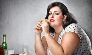 بلوغ زودرس و قاعدگی زودهنگام می تواند خطر ابتلا به چاقی را در آینده افزایش دهد
