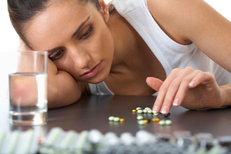 در بعضی از در بعضی از نوجوانان احتمال گرفتاری با اپیوئیدها و تمایل به مواد مخدر بیشتر است احتمال گرفتاری با اپیوئیدها بیشتر است