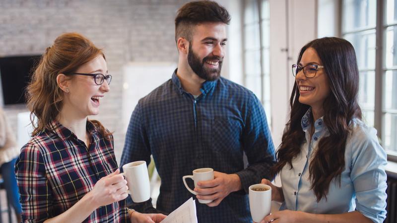تحمل رفتار بد دیگران با نوشیدن قهوه