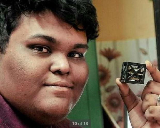 """کوچکترین ماهواره ی دنیا که توسط """"ریفاح شاروک"""" و تیمش ساخته شده است"""