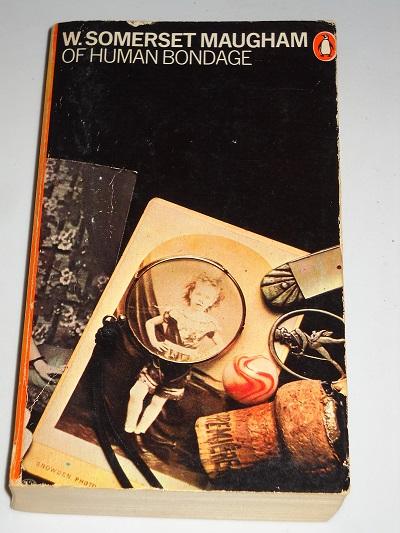 رمان پیرامون اسارت بشری در سالهایی نوشته شده است که نظام ویکتوریایی انگلستان با همان چارچوب قانون مندی جامعه خیلی از افراد را صرفا به آدم آهنیهایی کرده بود که فقط طبق برنامه جامعه و فرهنگ و عرف راه میرفتند، انتخاب میکردند و علاقه مند میشدند.
