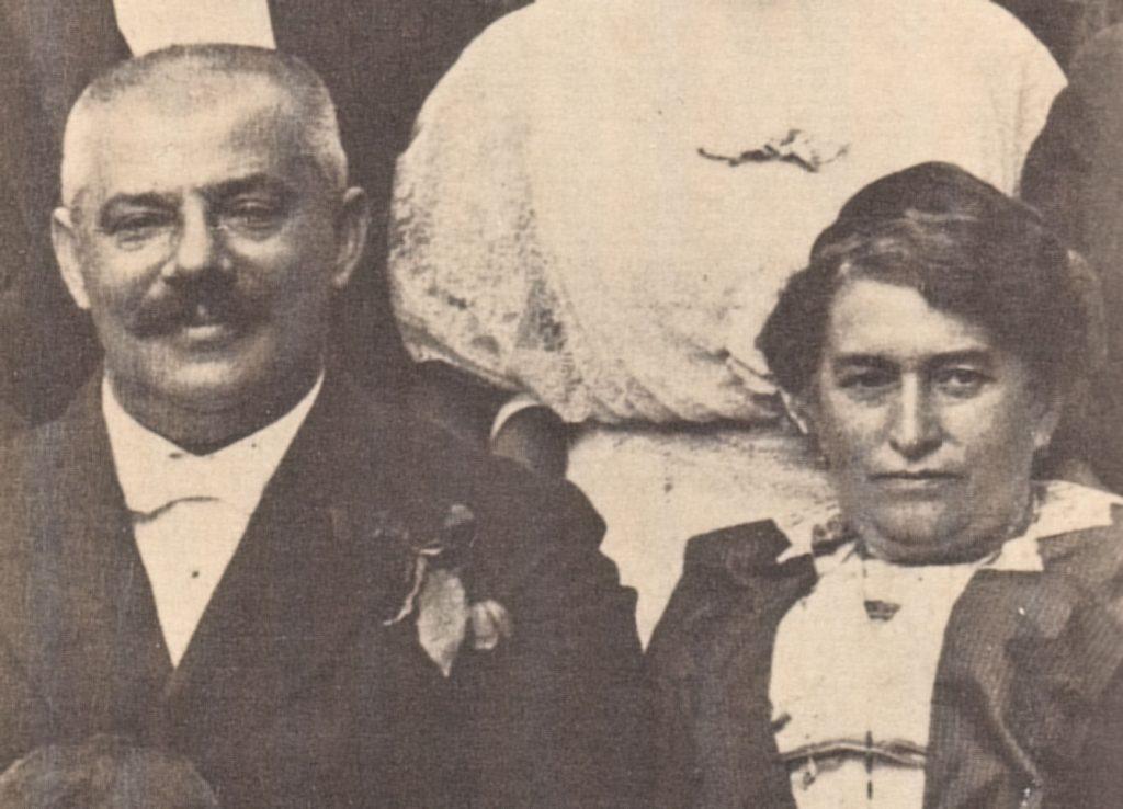 هرمان کافکای پدر به همراه مادر جولی لوی، مادر فرانتس کافکا