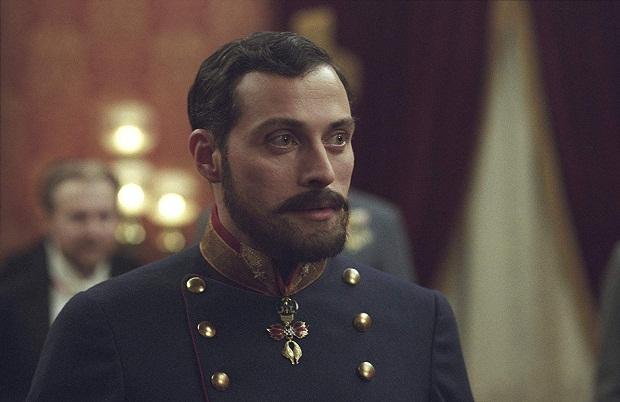 روفوس سیول در نقش ولیعهد لئوپولد در فیلم شعبده باز