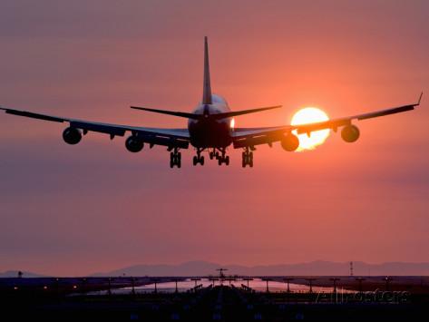 در این مطلب عجیب ترین فرودگاه های دنیا را به شما معرفی میکند که بیشتر از هر مقصدی ارزش دیدن دارند. برای آشنایی با عجیب ترین فرودگاه های دنیاهمراه ما باشید.