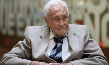 دانشمند ۱۰۴ ساله استرالیایی با مرگ خود خواسته به زندگی خود پایان داد!