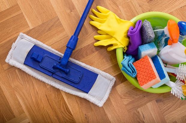 یکی از بهترین راهها برای نظافت منزل و رهایی ازبوی سگ و حیوان خانگی، تمیز کردن مداوم خانه با شوینده های ضدعفونی کننده حاوی ترکیبات آنریم ضد بو است.