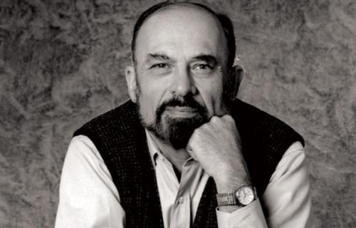 اروین دیوید یالوم (به انگلیسی: Irvin David Yalom) (متولد ۱۹۳۱، واشینگتن دی سی، ایالات متحده آمریکا) , روانپزشک وجودگرا (اگزیستانسیالیست) و نویسنده آمریکایی است.