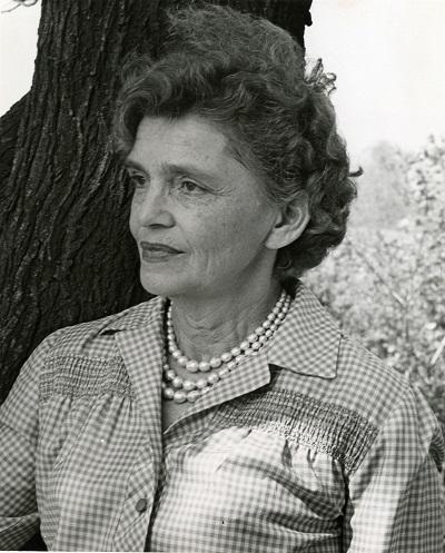 کاترین کرسمن تیلور از سال ۱۹۴۷ تا سال ۱۹۶۶ که بازنشسته شد به تدریس ژورنالیسم و نویسندگی خلاق در کالج گتسیوبورگ در پنسیلوانیا مشغول بود.