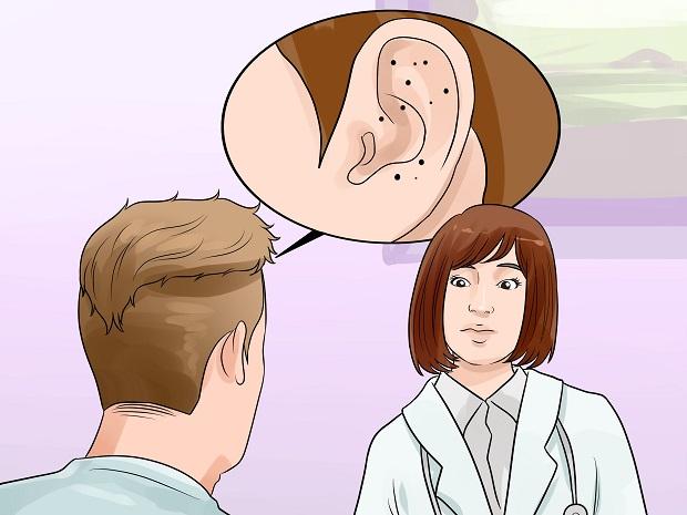 گوش و نواحی پیرامون آن، تماماً جزء مناطقی هستند که احتمال مسدود شدن منافذشان بسیار بالا میباشد