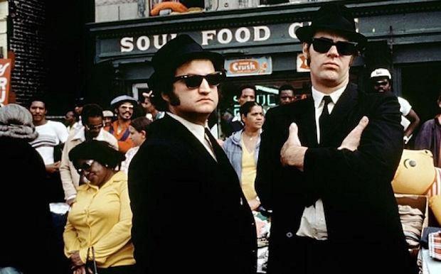 Dan Aykroyd و John Belushi در فیلم The Blue Brothers
