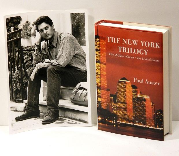 سهگانهٔ نیویورک ( به انگلیسی: The New York Trilogy ) مجموعهٔ سه رمان از نویسندهٔ پستمدرن آمریکایی، پل استر است. این سه رمان که هر یک داستان جنایی و شخصیتهای داستانی مجزایی از هم دارند تنها به سبب مکان مشترک سه گانه تشکیل داده اند. این سه رمان شامل شهر شیشه ای، ارواح و اتاق دربسته هستند.