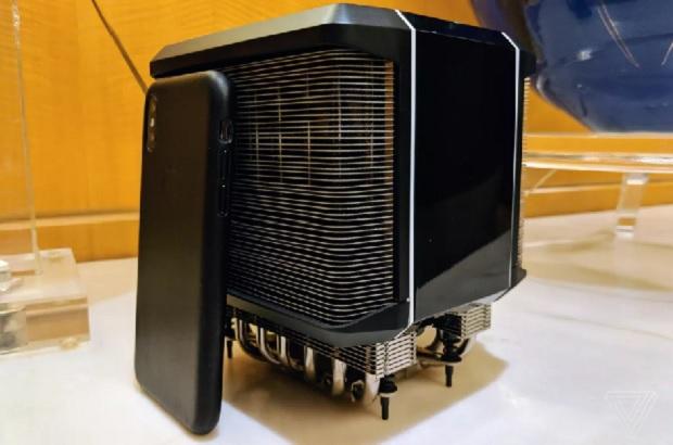 خنک کننده ی مورد نیاز برای نگهداری عملگرهای Threadripper نسل دوم، حدود یک اینچ بلندتر از آیفون X می باشد.