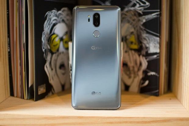 نمای پشت LG G7 ThinQ