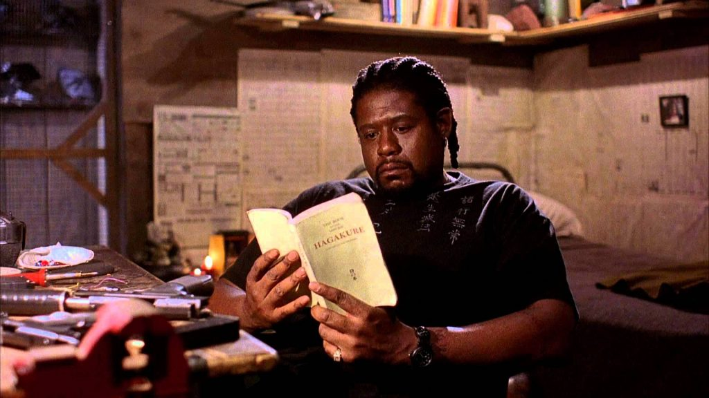 هنرنمایی Forest Whitaker در فیلم Ghost Dog: The Way of the Samurai ساخته‌ی جیم جارموش