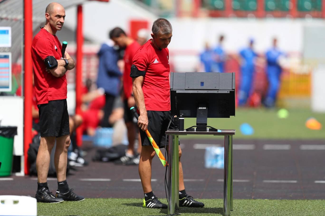 تکنولوژی VAR در فوتبال