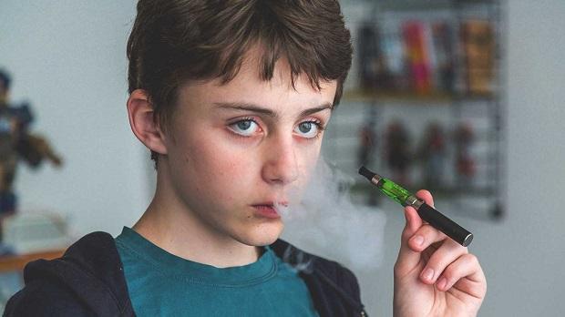 سیگار کشیدن در نوجوانان یکی از دغدغههای والدین امروزی است