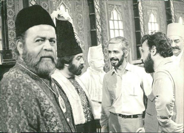 علی حاتمی در پشت صحنه فیلم کمال الملک
