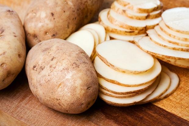 سیبزمینیای را انتخاب کنید که بدون کبودی، صاف و گرد باشد