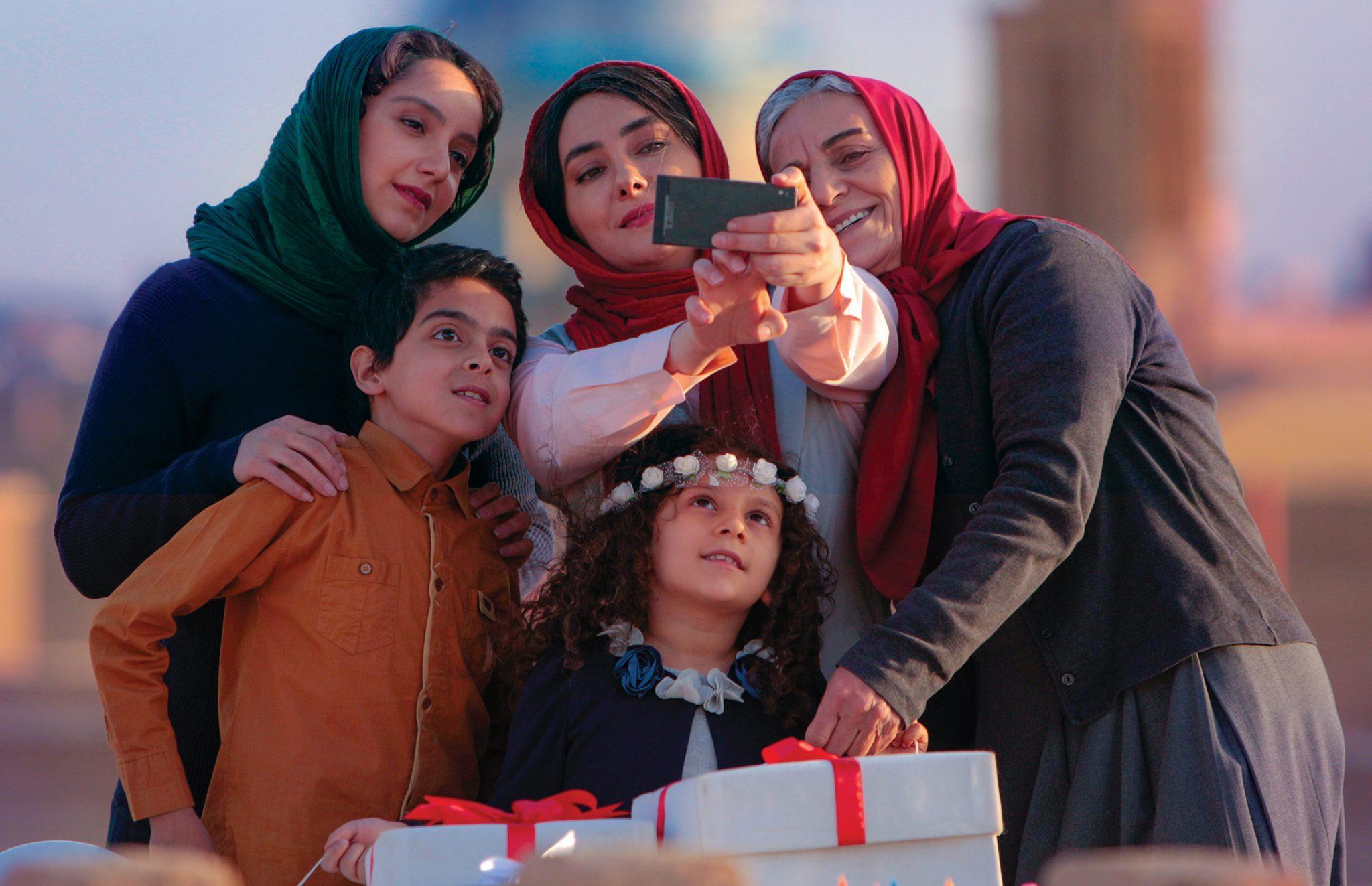 نقد فیلم مادری به کارگردانی رقیه توکلی