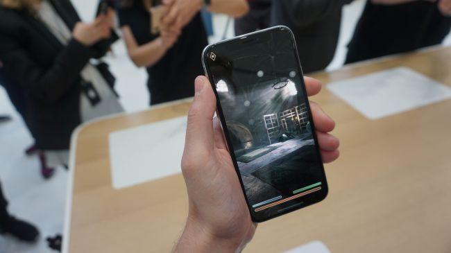 پخش فیلم با iPhone XS
