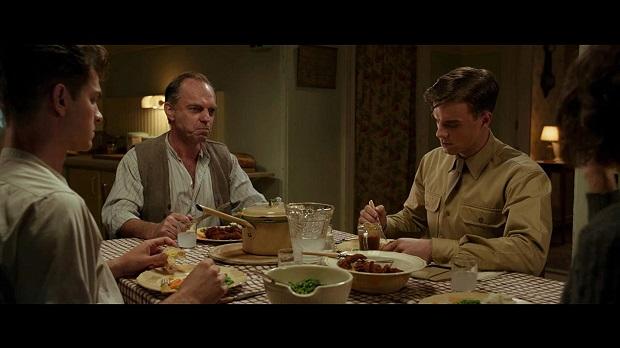 هنرنمایی Rachel Griffiths, Hugo Weaving, Nathaniel Buzolic و Andrew Garfield در فیلم Hacksaw Ridge
