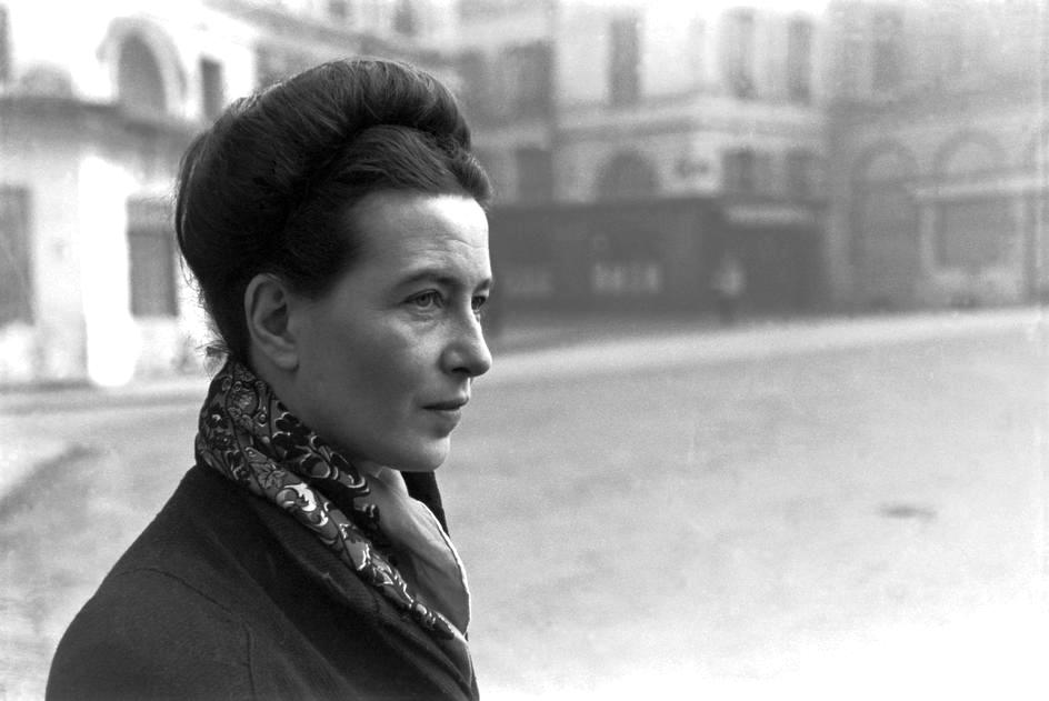 Simone de Beauvoir اگزیستانسیالیست و فمنیستی مشهور بود. دوبووار در ۹تاریخ ژانویهی ۱۹۰۸ در پاریس به دنیا آمد. و در ۱۴ آوریل ۱۹۸۶ در سن ۷۸ سالگی درگذشت. او یکی از مشهورترین زنان روشنفکر قرن بیستم است.