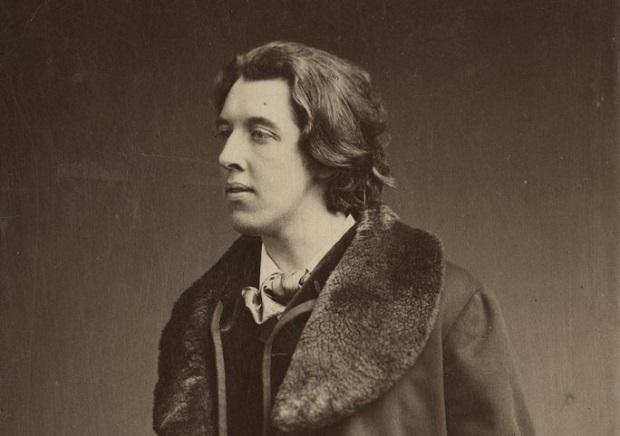 اسکار فینگل اُ. فِلاهرتی ویلز وایلد (به انگلیسی: Oscar Fingal O'Flahertie Wills Wilde) (زاده ۱۶ اکتبر ۱۸۵۴ - درگذشته ۳۰ نوامبر ۱۹۰۰) که به نام هنری اسکار وایلد شناخته میشود شاعر، داستاننویس، نمایشنامهنویس و نویسنده داستانهای کوتاه ایرلندی بود. وی همجنسگرا و عضو فراماسونری بود.