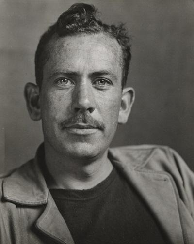 شخصیتهای آثار او تا جایی زنده و پخته میشوند که هر کدام مانند یک انسان زنده و طبیعی عکس العمل نشان میدهند و حرف میزنند. جان اشتاین بک در سال ۱۹۳۹ مشهورترین اثر خود که رمانی به نام خوشههای خشم است را منتشر کرد.