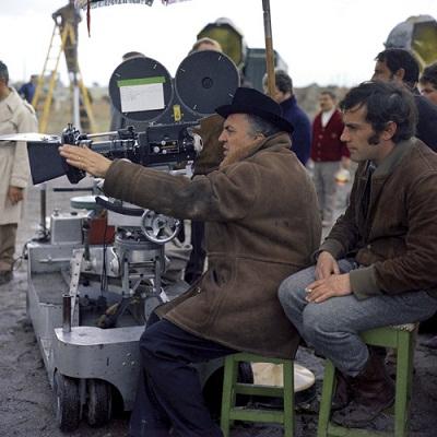 Federico Fellini در پشت صحنه یکی از فیلم هایش