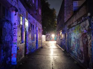 mate 20 pro در تاریکی شب