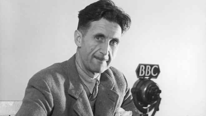 جورج اورول George Orwell نویسنده رمان قلعه حیوانات