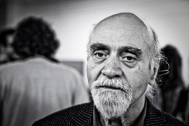"""«بزرگترین شعر جدید ایران، به نظرم، """"مرغ آمین"""" نیما یوشیج است که شاهکار است از نظر بیان. مثل یک سمفونی است. گفتنش خیلی مشکل است. شاملو یک چنین شعری ندارد. این یک واقعیت است.»"""