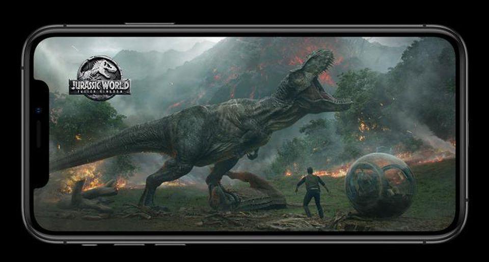 پشتیبانی از Dolby Vision و HDR10 در نمایشگر XS آن را برای دیدن ویدیو مناسب میکند