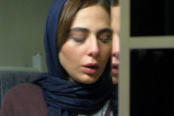 هنرنمایی رعنا آزادی ور در  فیلم مرداد به نویسندگی و کارگردانی بهمن کامیار / بازی بازیگران در فیلم مرداد در خیلی از سکانس ها ضعیف و غیر قابل باور است. مثلاَ صحنه ای که رویا در ماشین و در خلوت خودش گریه میکند. این بازی ضعیف باعث شده که شخصیت او برای مخاطب تاثیرگذار و تامل برانگیز نباشد.