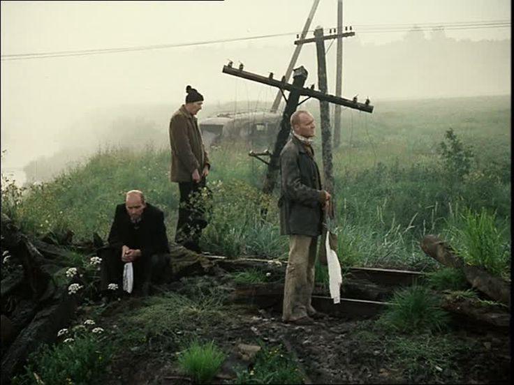 تارکوفسکی به خوبی در این فیلم تاکید به تفکر را از طریق روایت یک داستان، به مخاطب نشان داده است. داستان رسیدن به آرزو که در واقع داستان جدیدی نیست. اما نکته مهمی که تارکوفسکی آن را پررنگ میکند، ماهیت آرزوی انسان است.