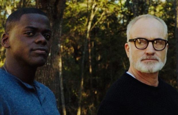 Bradley Whitford و Daniel Kaluuya در نمایی از فیلم برو بیرون