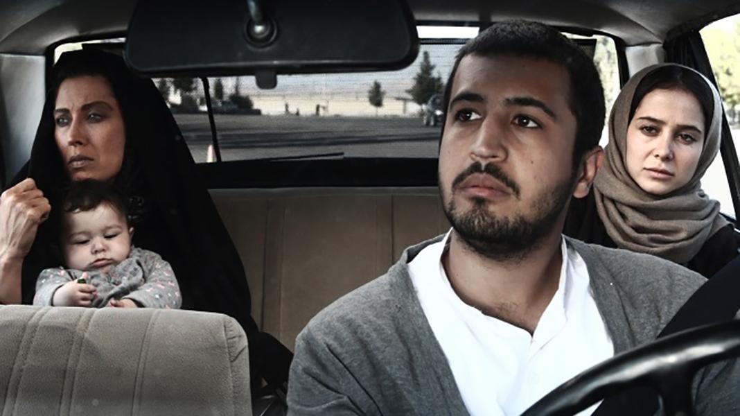 مهرداد صدیقیان در نمایی از فیلم ناخواسته به کارگردانی بروز نیک نژاد