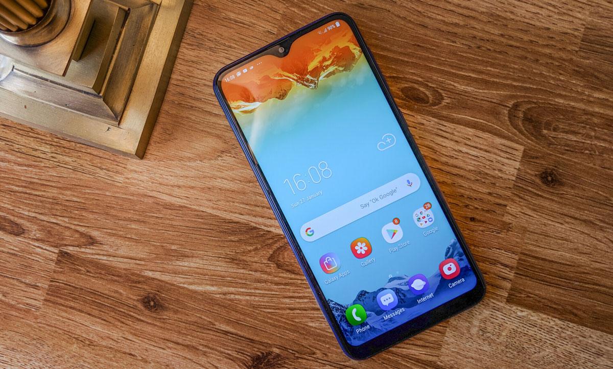 بررسی گلکسی M10 | Samsung Galaxy M10 زیر دره بین نتنوشت
