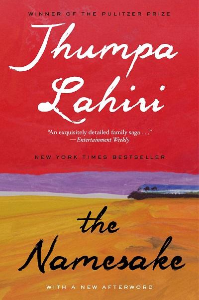 در نقد رمان همنام باید گفت که جومپا لاهیری Jhumpa Lahiri خود به عنوان یک مهاجر توانسته است تمام تناقضات روحی و روانی موجود در مسالهی مهاجر را نشان دهد. شخصیت اصلی رمان همنام پسر خانواده به نام گوگول است.