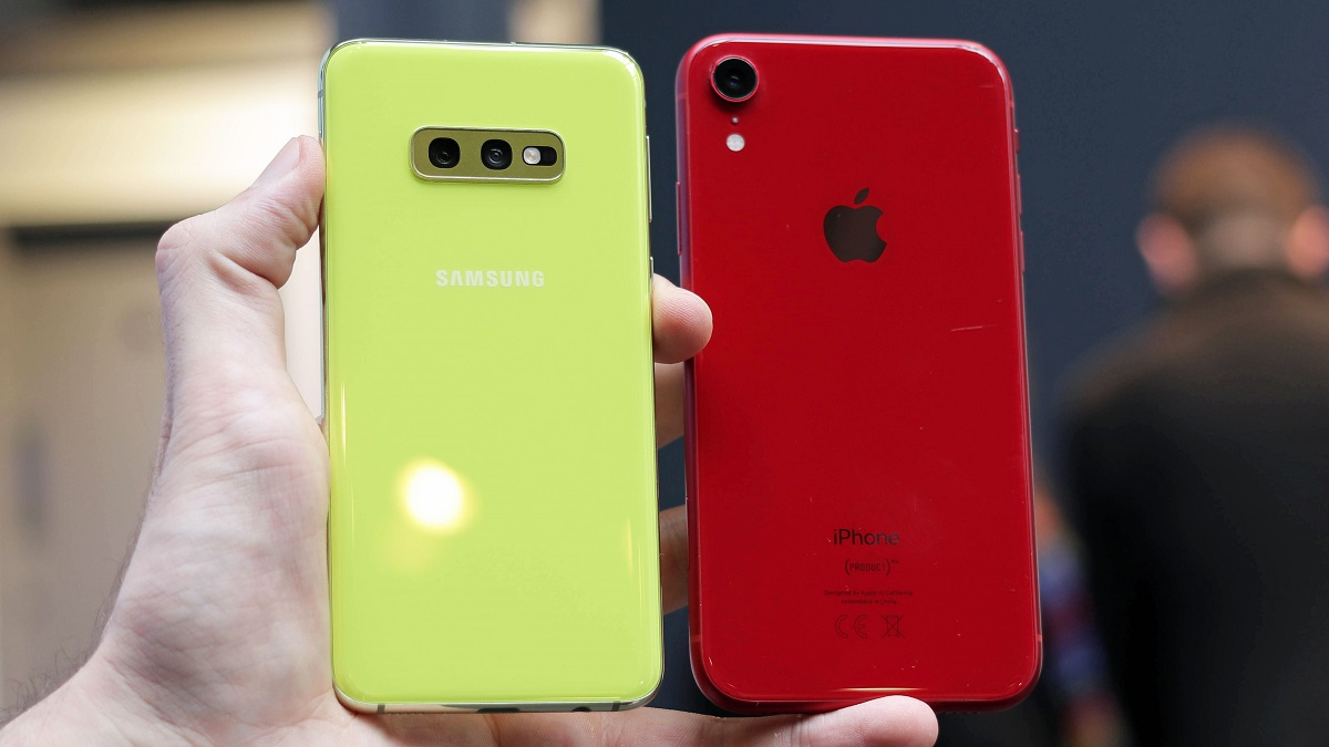 S10e و XR هر دو اسمارت فونهای بسیار قدرتمندی هستند که در دستهی