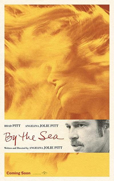 By the Sea یا کنار دریا شیرازهی لازم را ندارد. به نظر میرسد که Angelina Jolie این فیلمنامه را به نوعی بر اساس تجربیات سالهای دور خودش که شاید بیارتباط با مادرش نباشد به نگارش درآورده است.