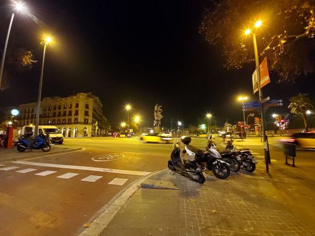 دوربین استاندارد S10 پلاس در هنگام شب