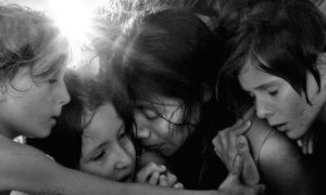 نقد فیلم Roma ساختهی آلفونسو کوارون؛ انعکاس زندگی در آب